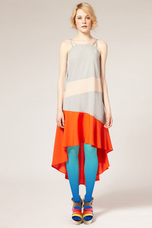 sky blue gradient tights - carrot orange dress - brown wedges