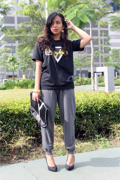 black The Ranz Project t-shirt - heather gray sweatpants random pants