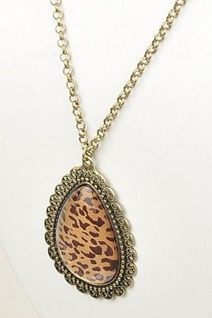 Benii Boutique necklace