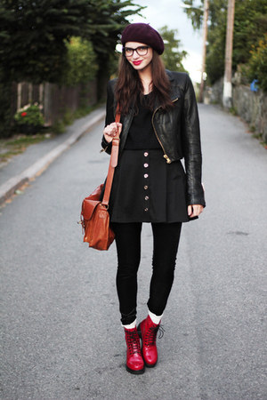 red patent vagabond boots - crimson beret hlns hat - black leather sofifi jacket