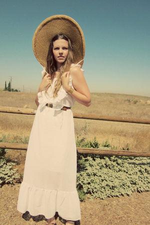 white vintage dress - gold vintage hat - brown cydwok shoes
