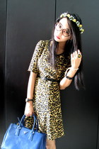 blue saffiano Prada bag - leopard print Bershka dress