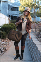 camel flower accent fair weather hat - dark brown big-buttoned Dolled Up jacket