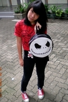 Mejiku t-shirt - jeans - Converse shoes - Nightmare Before Christmas accessories