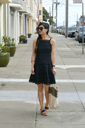 eyelet design Nanette Lepore dress - big buddha bag - Gap sandals