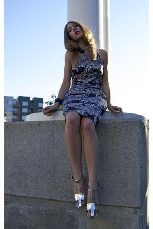confetti SUNO dress - cross metallic Celine sandals