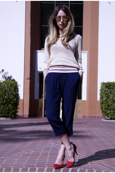 knitted Isabel Marant sweater - cat eye Tom Ford sunglasses