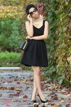 black Sugarlips dress - black bag - black Chanel sunglasses - black dvf heels