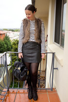 black leather Zara skirt - black pistol ankle acne boots