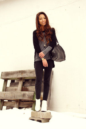 black Kas New York sweater - white Tobi boots - black Bandolino bag