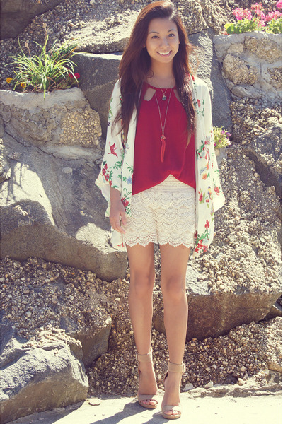 ivory lace OASAP shorts - ruby red red PERSUNMALL top