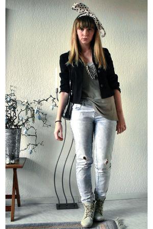 black vintage blazer - blue Zara jeans - beige Vila top - Topshop boots - black