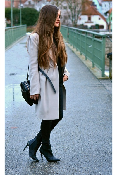 H&M coat - H&M boots - Zara bag - c&a pants