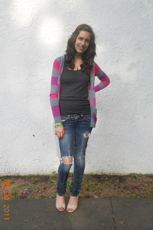 Guess jeans - JCP cardigan - Old Navy t-shirt - Dillards wedges