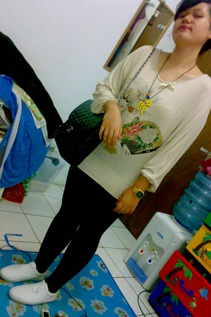 blouse - necklace - leggings - shoes