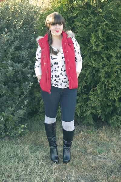 red fur hood banana republic vest - black wedge JustFab boots