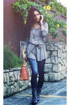coral Nica bag - charcoal gray camden town boots - navy Bazar America leggings