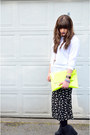 Black-floral-culottes-urban-outfitters-shorts-yellow-neon-clutch-asoscom-bag