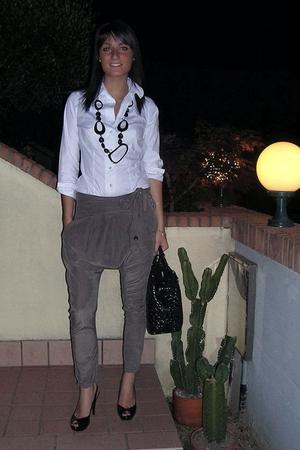 NO SHUA pants - united colors of benetton shirt - Zara shoes - Blumarine accesso