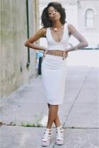 white sleeveless Missguided blazer - white bralet Missguided top