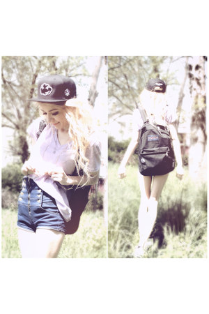 Cloud Kicker hat - jansport bag - lavagrantbelle shop shorts