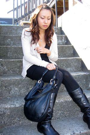 black American Apparel t-shirt - black Aldo boots - black Forever 21 leggings