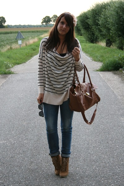 beige H&M sweater - brown Zara shoes - blue Zara jeans - brown Primark bag - pin