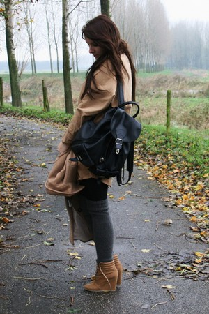 black vintage bag - bronze Zara shoes - camel Monki dress