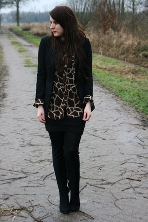 dark brown vintage blouse
