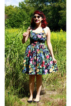 black Vintage 50s style dress from the 80s dress - black Urban Outfitters shoes