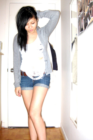 DIY top - Talula sweater - forever 21 shorts - H&amp;M belt - Nude heart charm purse