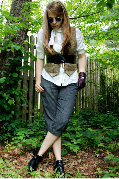 gray Gap pants - black flea market find shoes - white Forever 21 shirt