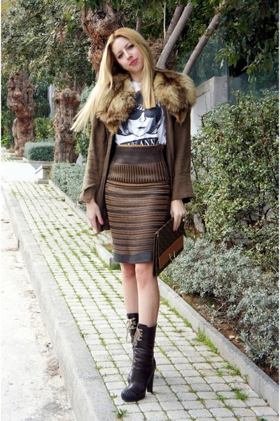 Salvatore Ferragamo skirt - Fendi boots - Topshop blazer - Louis Vuitton bag