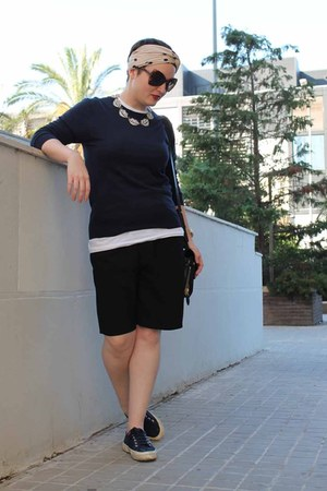 Lulu Frost necklace - united colors of benetton sweater - Zara shorts