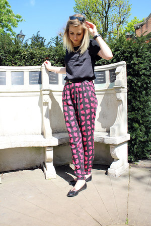 printed River Island pants - silky Topshop t-shirt - black French Sole flats
