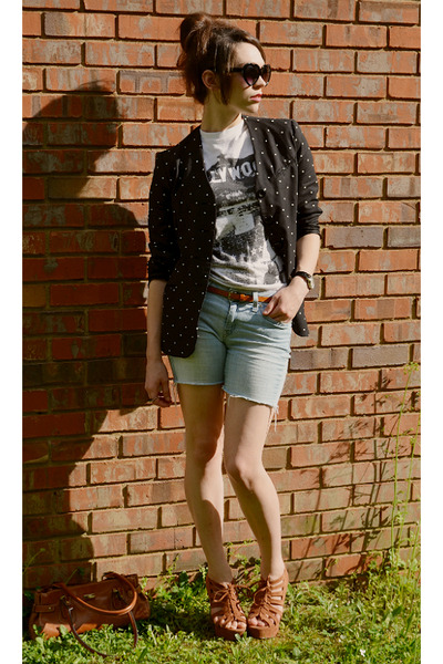 blazer - Levis shorts - heart-shaped sunglasses - gifted t-shirt