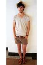 brown vintage shorts - beige Zara t-shirt - brown Pertegaz accessories