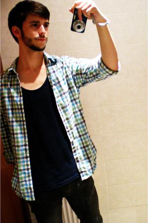 H&M shirt - Ferrys t-shirt - Zara jeans