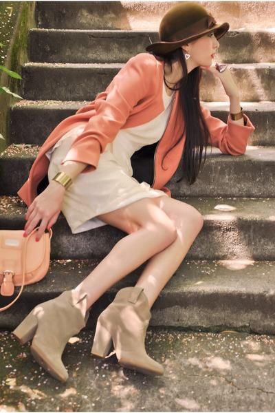 bronze cuffs Alyssa Nicole bracelet - beige ankle boots Zara boots