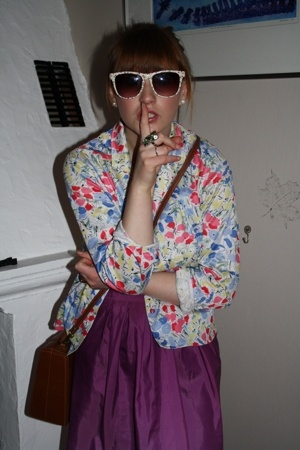 vintage shirt - Urban Outfitters sunglasses - H&M skirt - Urban Outfitters purse