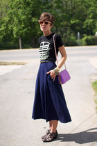 black Red Velvet t-shirt - violet bag - navy vintage skirt