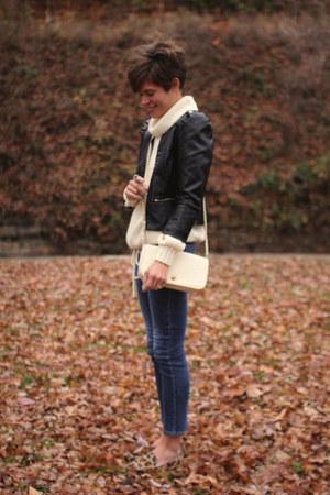 ivory vintage sweater - Gap jeans - black H&M jacket - ivory vintage bag