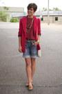 Red-vintage-blazer-ivory-coach-bag-levis-shorts-camel-vintage-flats