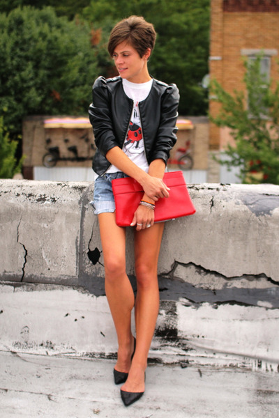 black faux leather H&amp;M jacket - red bag - Levis shorts