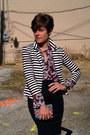 Black-skirt-white-olsenboye-blazer-maroon-vintage-blouse