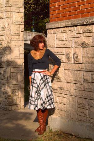Forever 21 shirt - vintage skirt - vintage boots - vintage scarf