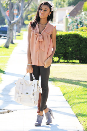 silver papaya boots - gray leggings - eggshell satchel bag - salmon H&M blouse