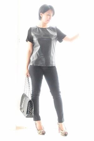 faux leather Zara blouse - black skinny cotton on jeans - chevron Chanel bag