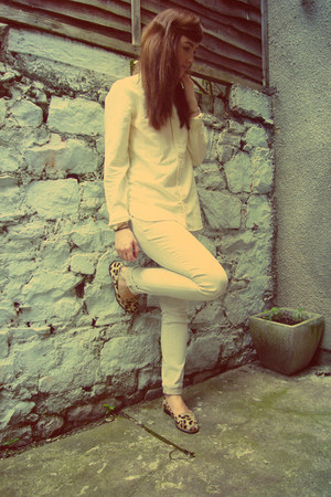 eggshell skinny Gap jeans - light yellow mens Gap shirt - brown Zara loafers