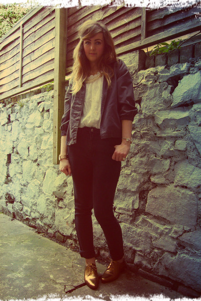 dark gray thrifted Freego jeans - navy Quiksilver jacket - cream vintage top
